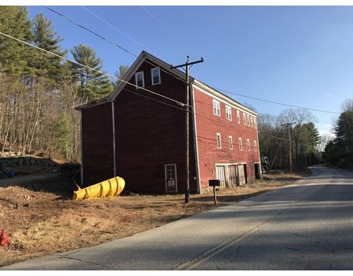 782 Valley Rd, Barre, MA 01005