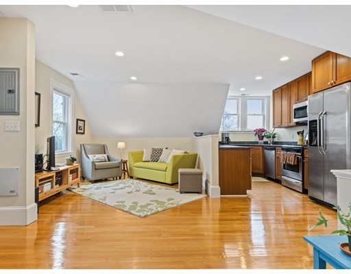 67 Walter St Unit 3, Boston - Roslindale, MA 02131
