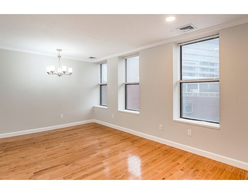 5 Grove St. Unit 8, Boston - Beacon Hill, MA 02114