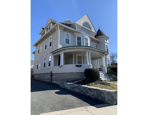 986 Plymouth Ave, Fall River, MA 02721