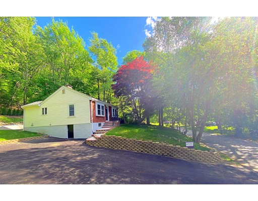 16 Hastings St, Stow, MA 01775