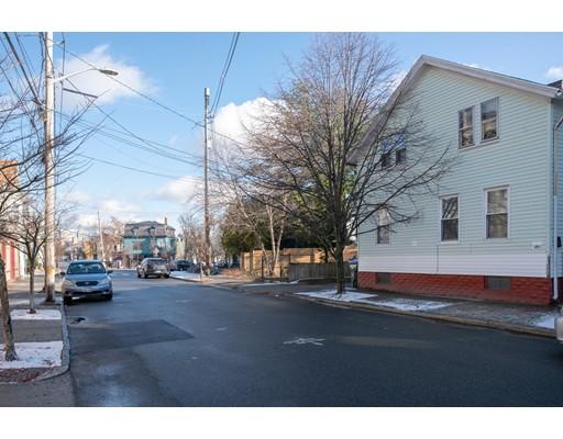 252 Carpenter St, Providence, RI 02903
