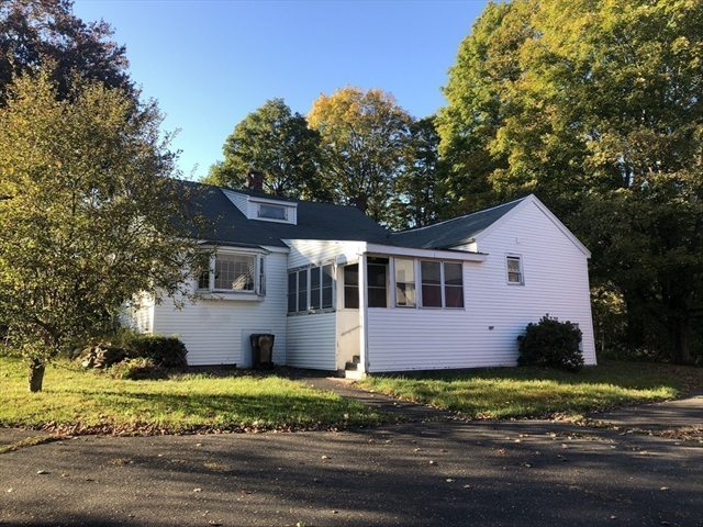 27 North Road Westfield MA 01085