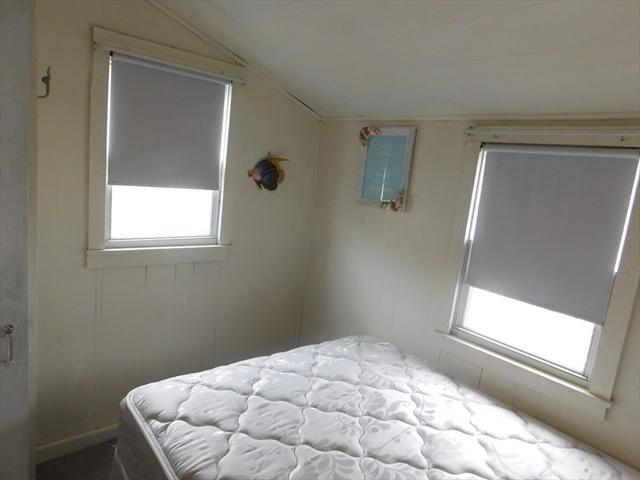 218 Old Wharf Rd (212 Rose &CROWN) Dennis MA 02639