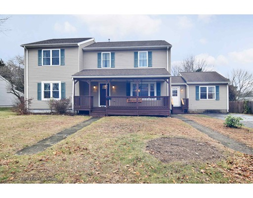 26 Deer St, Somerset, MA 02726