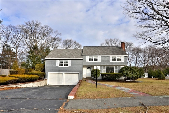 3 Roundy Road Lynnfield MA 01940