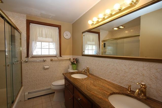 42 Barton Hill Road Chelmsford MA 01824