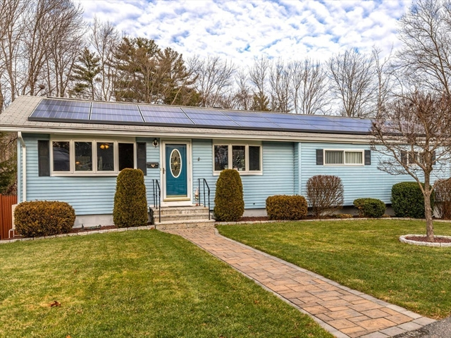 16 Robinson Road Beverly MA 01915
