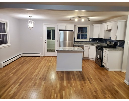 63 New Caster Dr, Lowell, MA 01854