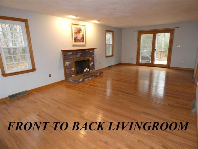 9 Longwood Circle Kingston MA 02364