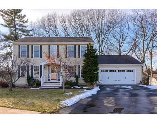 15 Wood Ln, Lawrence, MA 01843