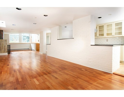 Condominium/Co-Op for sale in 24 Dartmouth Condominium, 1 South End, Boston, Suffolk