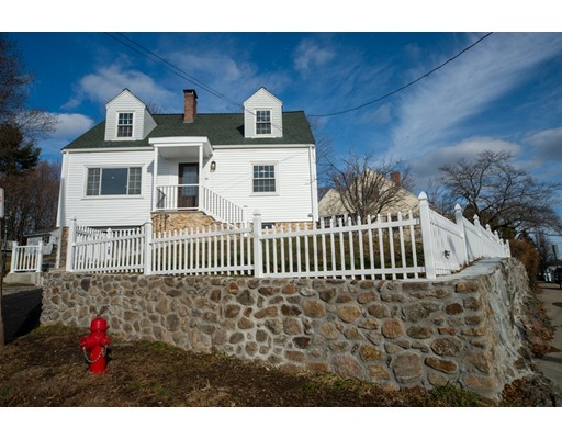 16 Lakeview Terrace, Woburn, MA 01801
