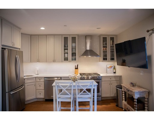 322 Athens St Unit 1, Boston - South Boston, MA 02127