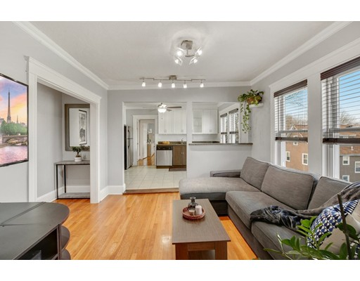 187 Florence St Unit 3R, Boston - Roslindale, MA 02131