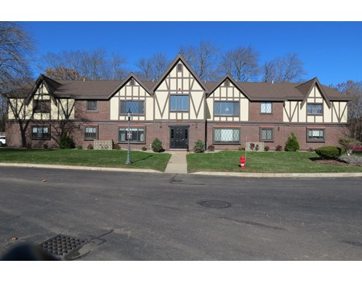 16 Royal Lake Dr Unit #1, Braintree, MA 02184