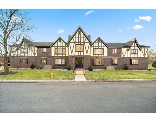 4 Royal Lake Dr Unit 6, Braintree, MA 02184