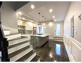 Property for sale at 211 Green St. - Unit: 2, Cambridge,  Massachusetts 02139