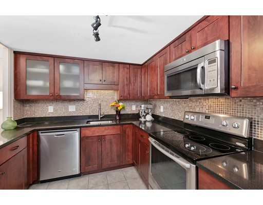 45 Longwood Ave Unit 212, Brookline, MA 02446
