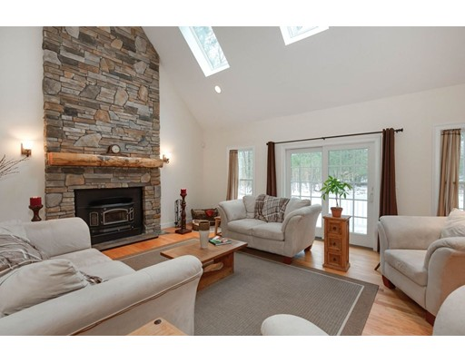 154 Brooks Station Rd, Princeton, MA 01541