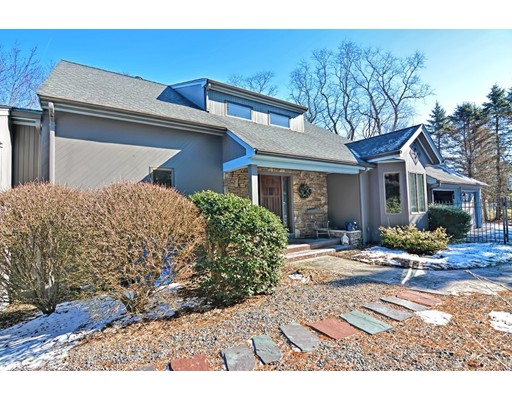 614 Pleasant St, Somerset, MA 02726