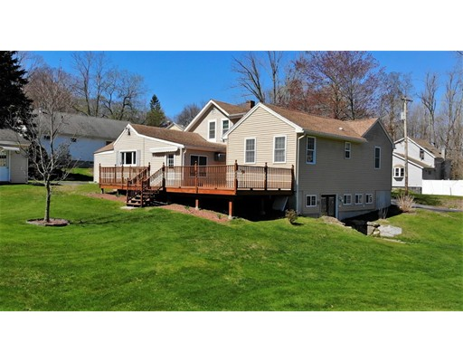 15 Young Street, Leicester, MA 01611
