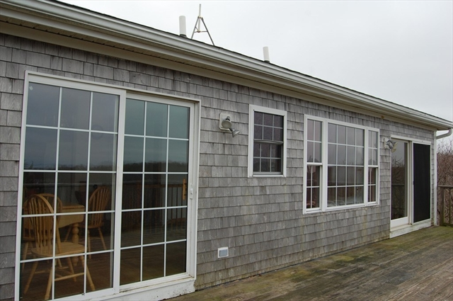 2 Opies Lane Aquinnah MA 02535