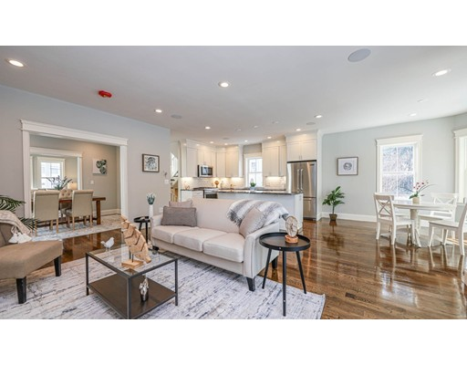 33 AUGUSTUS AVENUE, Boston - Roslindale, MA 02131