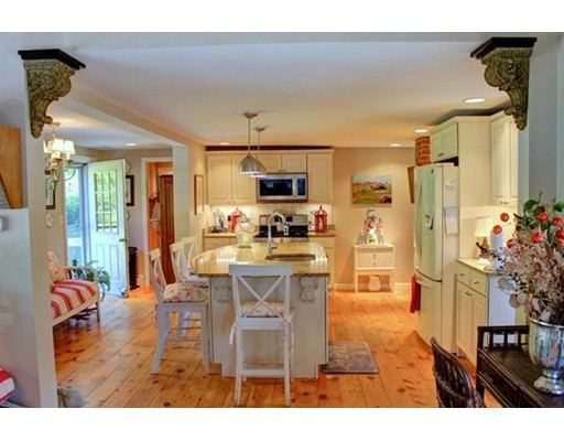 218 Derry, Chester, NH 03036