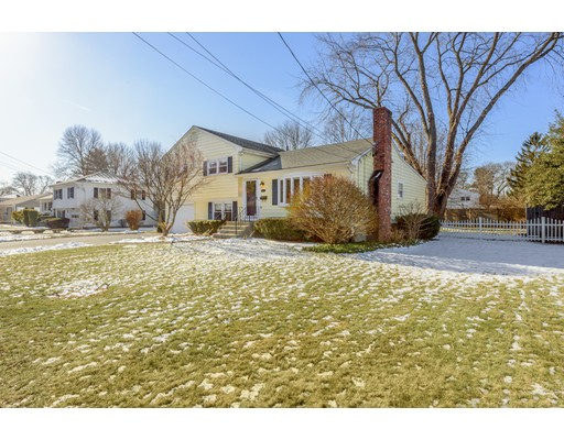 214 New Meadow Rd, Barrington, RI 02806