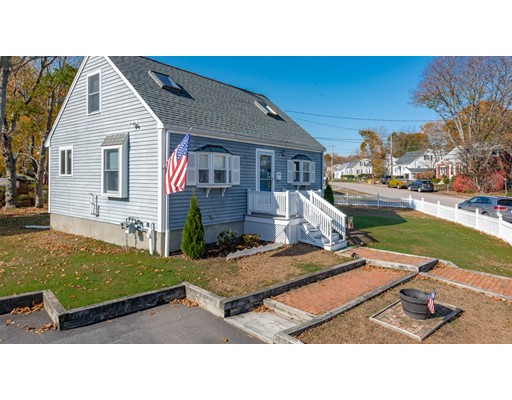 28 Apple Tree Ln, Weymouth, MA 02188