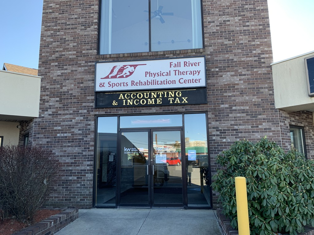 High Traffic Area!  Easy access to highways.   Plaza space between Dunkin Donuts and Dollar Store. Rent does not include utilities or building services. Space is able to be subdivided.  Please call for details.