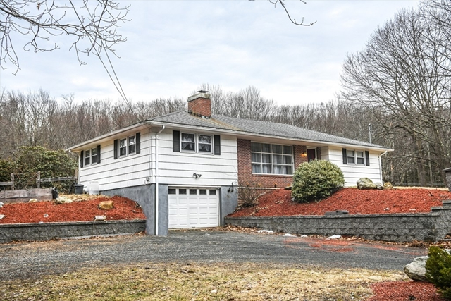 678 General Knox Road Russell MA 01071
