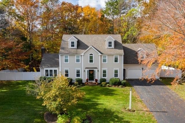10 Shoe Cottage Lane Hanover MA 02339