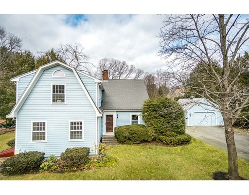 41 Manor Ave, Wellesley, MA 02482