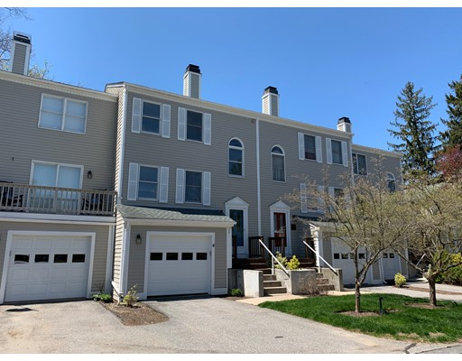 527 High Meadow Ct 527, Bristol, RI 02809