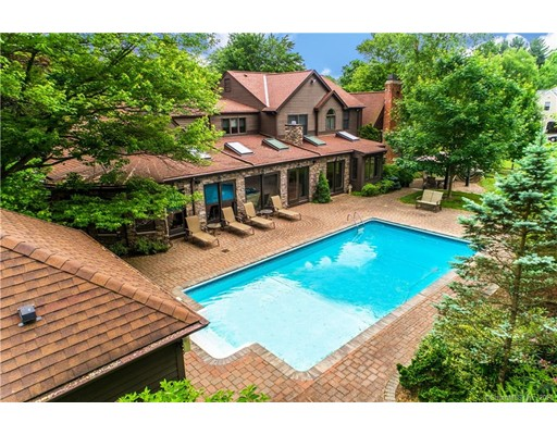 535 Halladay Avenue West, Suffield, CT 06078
