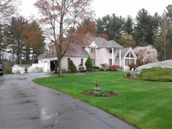 1765 Oak Grove Drive Dighton MA 02764