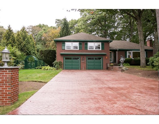 4 Bayberry Lane, Barrington, RI 02806