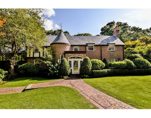 Stunning Belmont Hill property combines traditional architectural elegance with a refined modern-luxe interior. Completely renovated in 2016 by architect Nicholaeff & builder Thoughtforms. Open kitchen/dining area with Bulthaup walnut & stainless cabinetry, stainless Monoblock island, kitchen appliances - Gaggenau, Miele or Sub-Zero. Family room, living room, private office, & powder room. Bluestone patio, large landscaped lawn & mature plantings. Second floor contemporary master suite, dressing room with custom walnut cabinetry & island, a large bathroom with Thassos marble & European fixtures. 4 additional bedrooms, 2 full bathrooms & laundry. Lower level media, exercise, and play rooms, full bathroom, & laundry room with double washer/dryers. No detail was overlooked with Ash floors, Vantage smart lighting, & new HVAC systems. Steps away from Belmont Hill School, minutes to Cambridge & Rte 128, and 10 miles to Boston, this is one of the Boston area's most premier luxury properties.