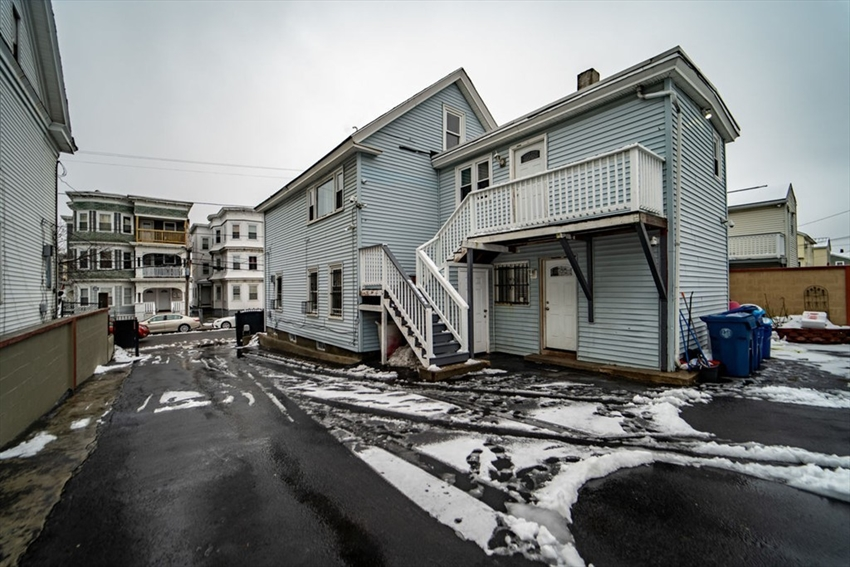 109 Oxford St, Lawrence, MA Image 3