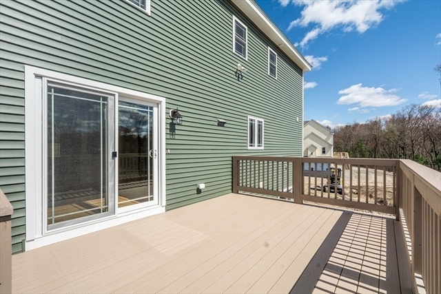 25 FIELDSTONE Lane Billerica MA 01821