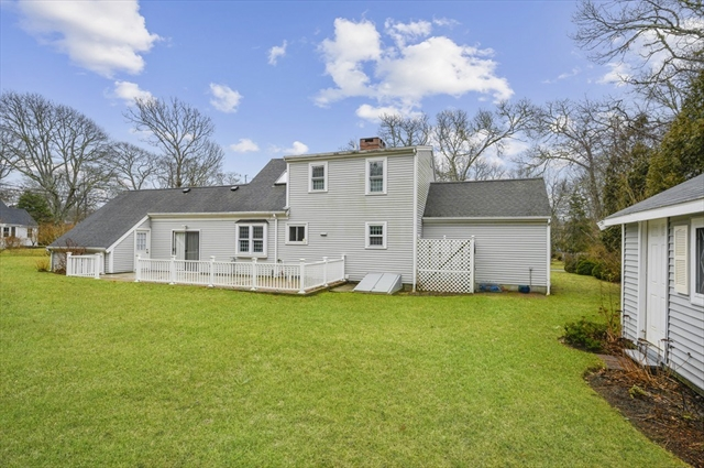 8 Simmons Pond Circle Barnstable MA 02601