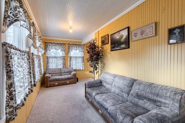 24 Thorndike Road North Andover MA 01845