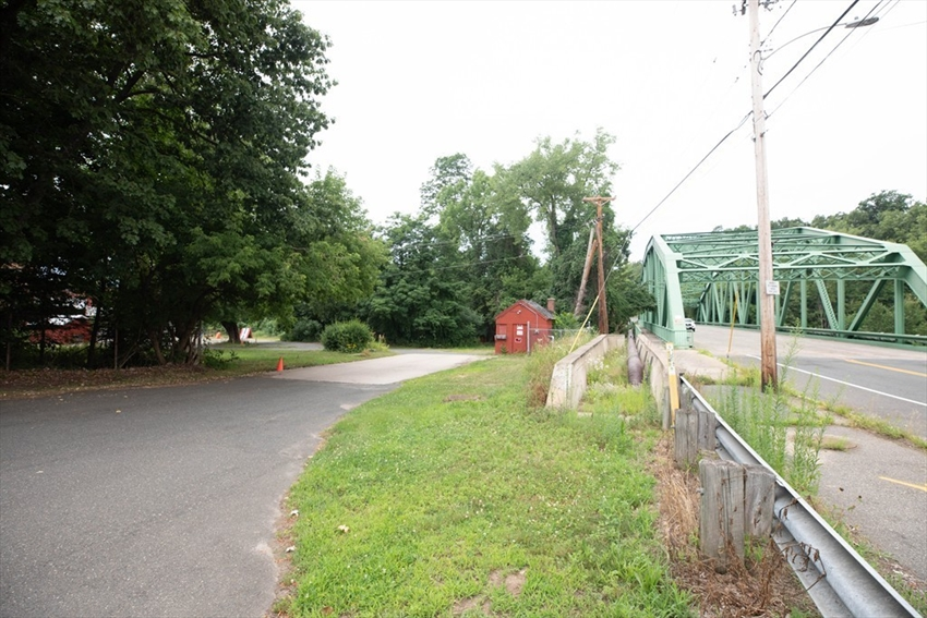 176 Cottage Ave, Wilbraham, MA Image 14
