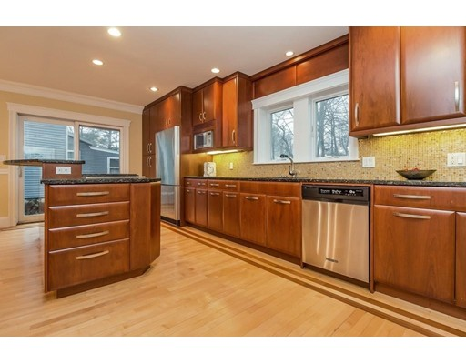 5 Forest St. 2, Newton, MA 02461