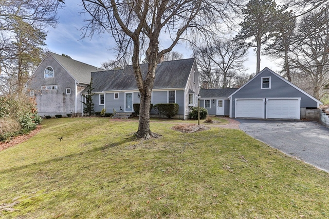 16 Kettlehole Road Barnstable MA 02668