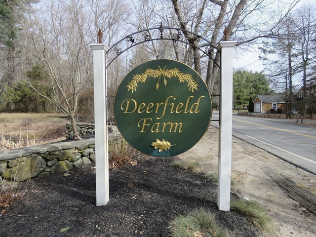 37 Deerfield Lane Hanover MA 02339