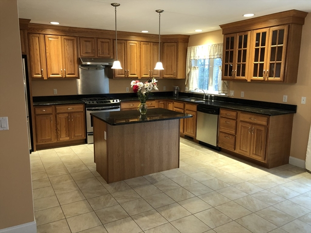 27 Palley Village Place Amherst MA 01002