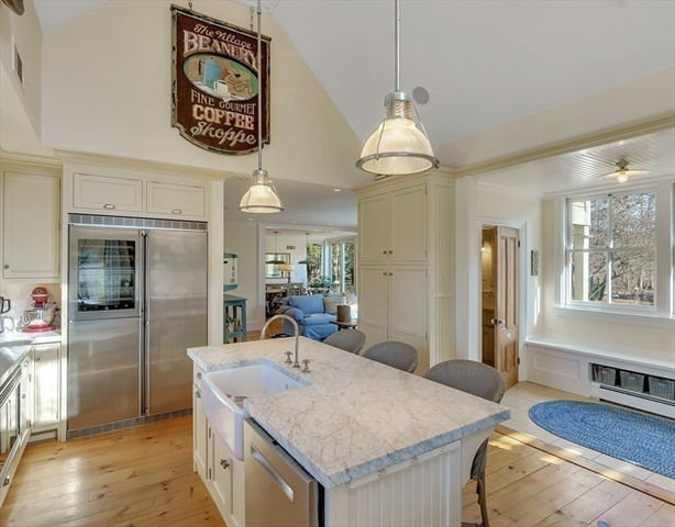 454 MONUMENT Street Concord MA 01742